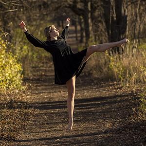 Leah Robertson dancing
