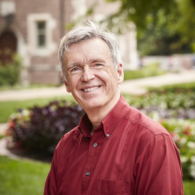 Headshot of Robert  Henke